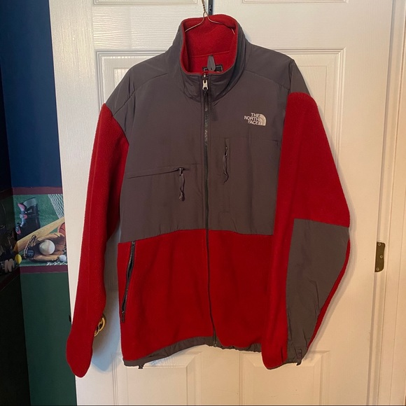 NORTH FACE   Men's Classic North Face Jacket, Red